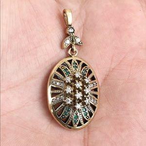 🆕 Silver Oval Drop Pendant Emerald clear Topaz